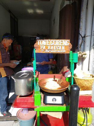Foto 5 - Interior di Soto Kuning Bogor Pak Yusup oleh deasy foodie