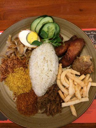 Foto - Makanan di Sate Khas Senayan oleh Elvira Sutanto