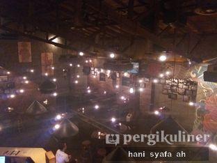 Foto 3 - Interior di HALFWAY oleh Hani Syafa'ah
