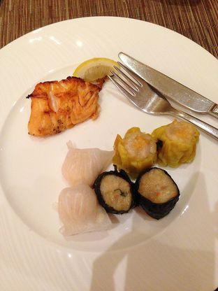 Foto 3 - Makanan di The Cafe - Hotel Mulia oleh Mitha Komala