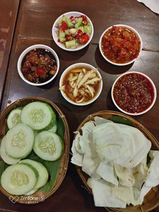 Foto 10 - Makanan(Aneka sambal dan lalapan) di Waroeng Sunda oleh Gabriel Yudha | IG:gabrielyudha