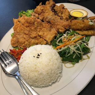Foto 1 - Makanan(Crispy Chicken Big Jumbo) di Daiwan Delicious Food oleh Jeljel