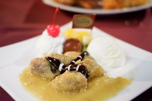 Foto 6 - Makanan(Banana Flambee Ice Cream) di The Valley Bistro Cafe oleh Chrisilya Thoeng