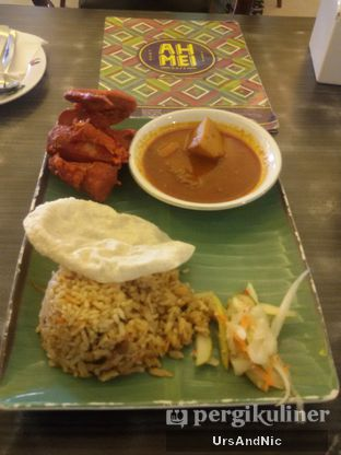 Foto 1 - Makanan(Nasi Briyani Fried chicken curry) di Ah Mei Cafe oleh UrsAndNic