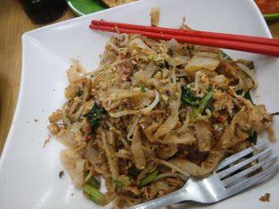 Foto 1 - Makanan(isi komplit) di Kwetiau Akang oleh Threesiana Dheriyani