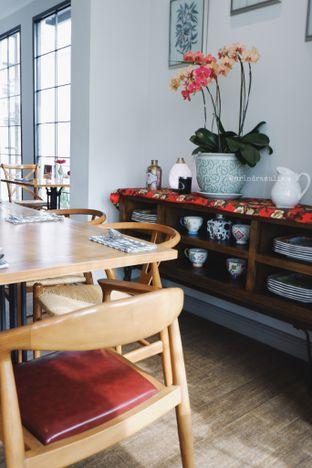 Foto 4 - Interior di Red Door Koffie House oleh Indra Mulia