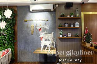 Foto 7 - Interior di De Cafe Rooftop Garden oleh Jessica Sisy