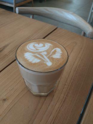 Foto 1 - Makanan di Upnormal Coffee Roasters oleh Handi Suyadi
