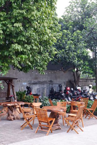 Foto 16 - Eksterior di Louis Coffee oleh yudistira ishak abrar