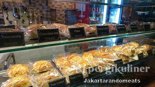 Foto 7 - Interior di Aprilasta oleh Jakartarandomeats