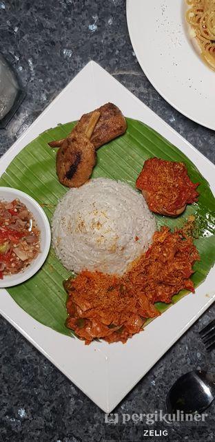 Foto 4 - Makanan di Tjikinii Lima oleh @teddyzelig
