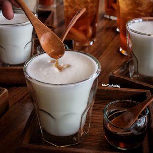 Foto 4 - Makanan(Hot latte (secang)) di Tekote oleh Stellachubby