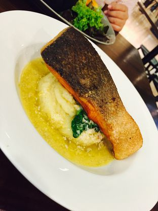 Foto 13 - Makanan(Norwegian Salmon with Lemon Beurre Blanc) di Blacklisted oleh Yolla Fauzia Nuraini