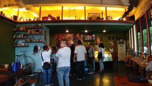Foto 2 - Interior di Blumchen Coffee oleh om doyanjajan