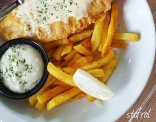 Foto - Makanan(Fish and Chips) di Fish Streat oleh Stanzazone