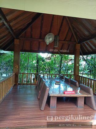 Foto 25 - Interior di Taman Santap Rumah Kayu oleh Ruly Wiskul