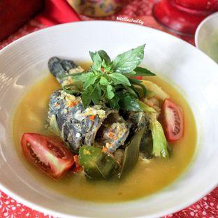 Foto 5 - Makanan(Sop kerapu kuah segar) di Meradelima Restaurant oleh Stellachubby