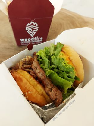 Foto review WoodFire Gourmet Burger oleh Kuliner Limited Edition 3