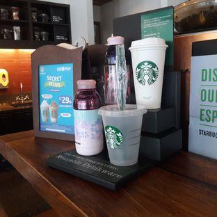 Foto 3 - Interior di Starbucks Coffee oleh Michael Wenadi