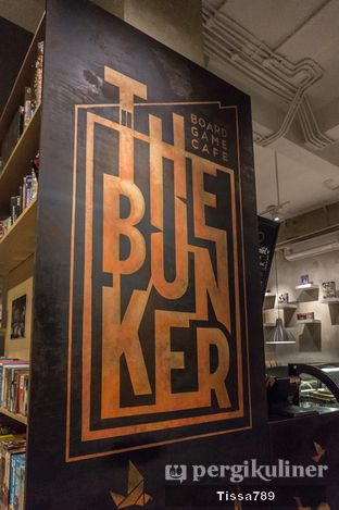 Foto 9 - Interior di The Bunker Cafe oleh Tissa Kemala
