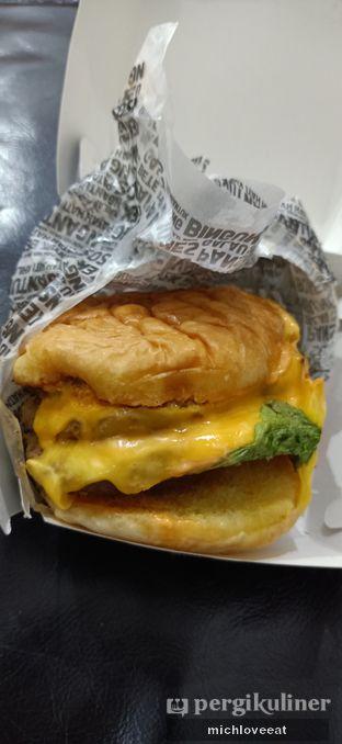 Foto review Burger Bangor oleh Mich Love Eat 2
