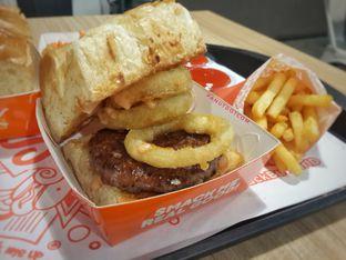 Foto 1 - Makanan di Smack Burger oleh Stefanus Mutsu
