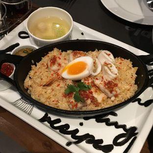 Foto 5 - Makanan(Khao Kluk Prik Gleur) di Greyhound Cafe oleh Jeljel