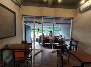 Foto 4 - Interior di Lektur Coffee oleh aftertwentysix 27