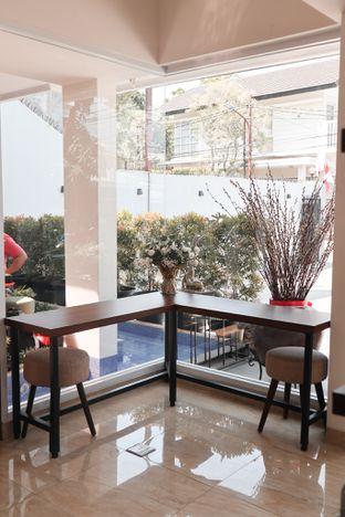 Foto 7 - Interior di Caffeine Suite oleh thehandsofcuisine