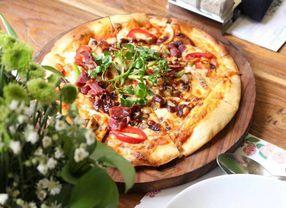 Pizza Paling Enak Menurut Para Pecinta Pizza di PergiKuliner