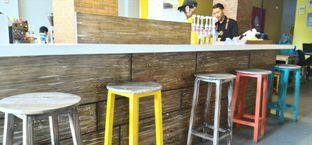 Foto 6 - Interior di Yellow Truck Coffee oleh Ika Nurhayati
