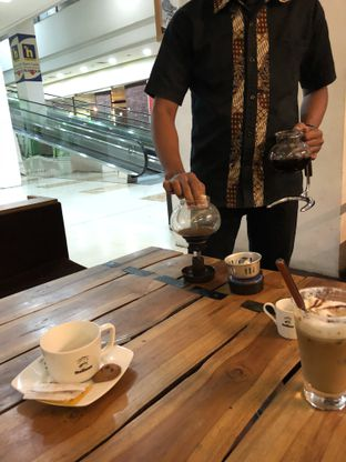 Foto 7 - Interior di Rollaas Coffee & Tea oleh Budi Lee