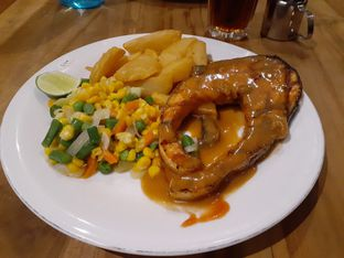 Foto 2 - Makanan(Salmon Steak) di Abuba Steak oleh Lisa Irianti