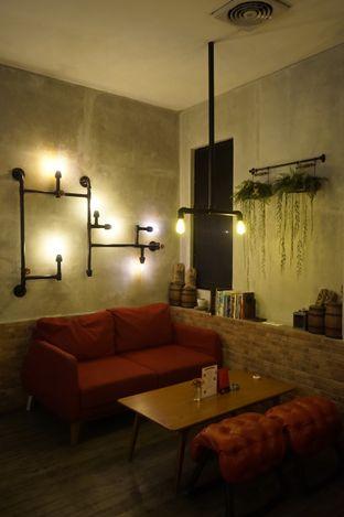 Foto 5 - Interior di Gerilya Coffee and Roastery oleh yudistira ishak abrar