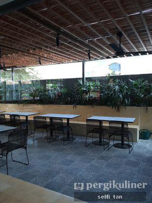 Foto 4 - Interior di Hunter and Grower oleh Selfi Tan