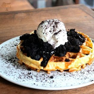 Menu populer Oreo Cheesecake Waffle