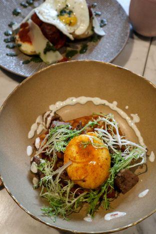Foto 5 - Makanan di Lume Restaurant & Lounge oleh thehandsofcuisine