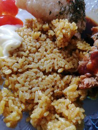 Foto 3 - Makanan(Nasi) di Fish Streat oleh ayam goreng