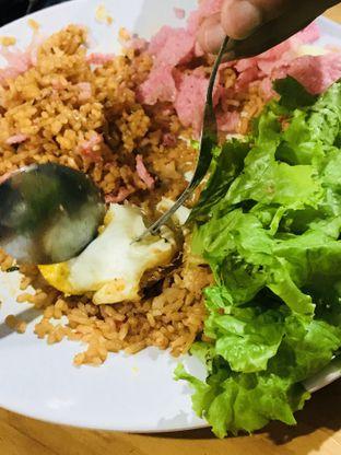 Foto 4 - Makanan(Nasi Goreng Khas Minangkabau) di Lapau Bukittinggi oleh Levina JV