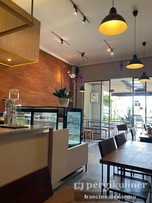 Foto 4 - Interior di Scandinavian Coffee Shop oleh Francine Alexandra