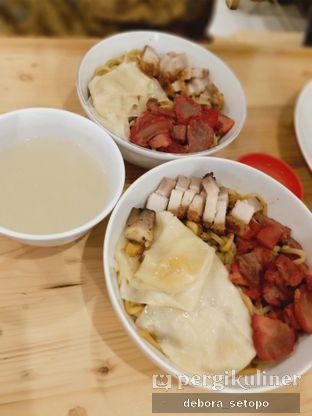 Foto 3 - Makanan di Bakmi Pangsit Palu oleh Debora Setopo