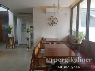 Foto 4 - Interior di Likely Cafe & Resto oleh Gregorius Bayu Aji Wibisono