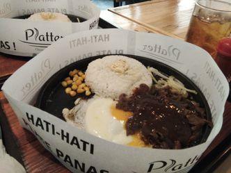 Foto Makanan di Platter
