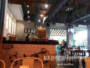 Foto 5 - Interior di Communal Coffee & Eatery oleh Prita Hayuning Dias