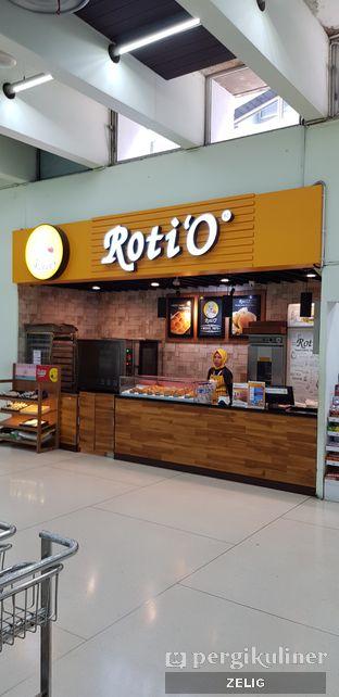 Foto review Roti 'O oleh @teddyzelig  2