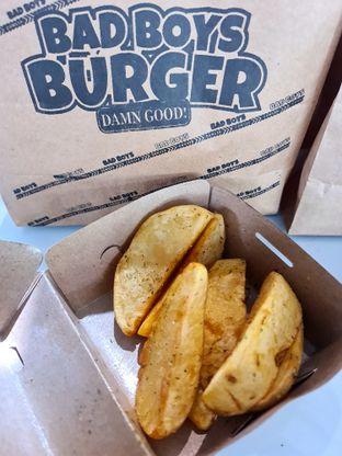 Foto review Bad Boys Burger oleh Fensi Safan 4