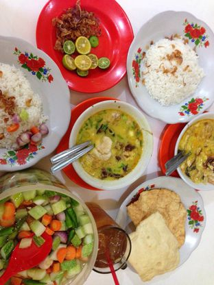 Foto 1 - Makanan di Soto Betawi H. Husein oleh Review Dika & Opik (@go2dika)