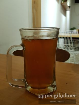 Foto 5 - Makanan(HOT LEMON TEA) di Caravan Eat The Ribs oleh praptanta rikintokoadi