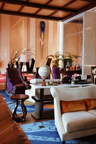Foto 42 - Interior di The Writers Bar - Raffles Jakarta Hotel oleh Indra Mulia