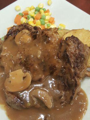 Foto 6 - Makanan di Joni Steak oleh Stallone Tjia (@Stallonation)